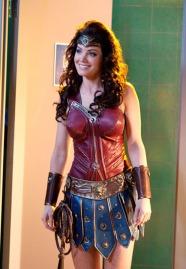 Wonder_Woman_Erica_Durance_3